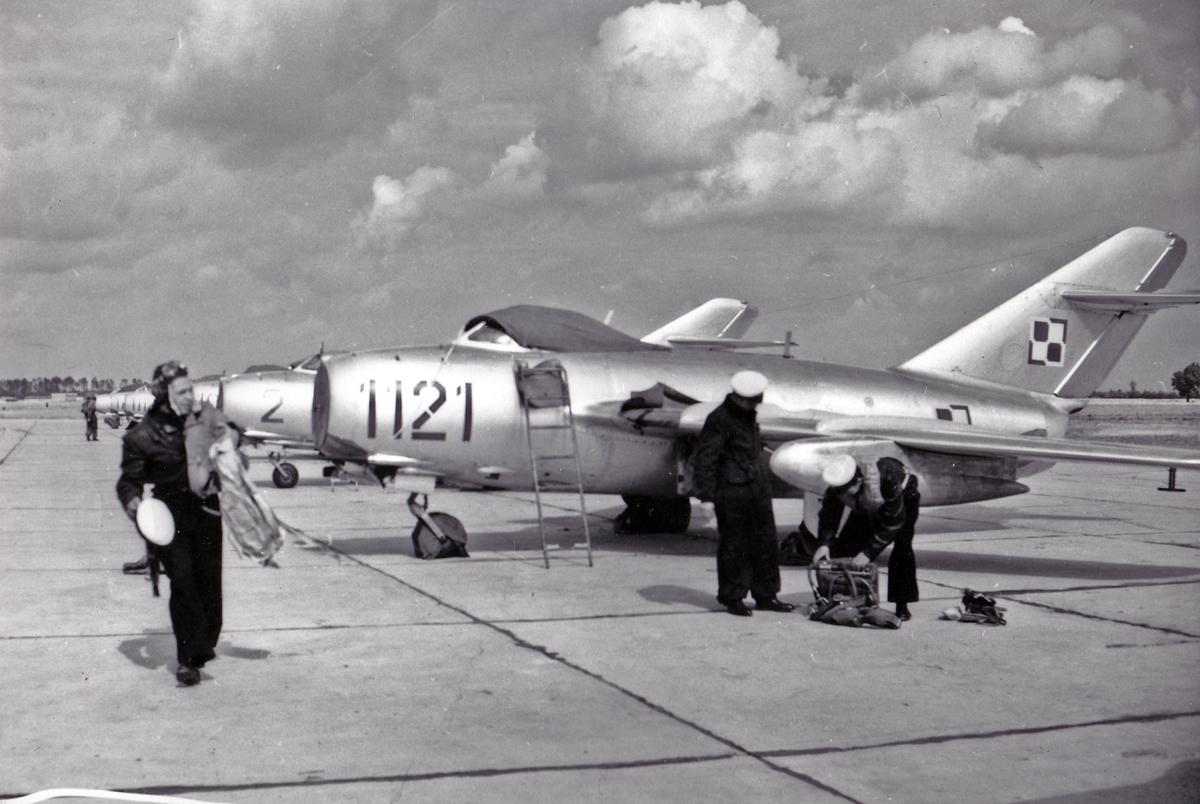 por-pil-marian-klusek-przy-samolocie-lim-2-nr-1121